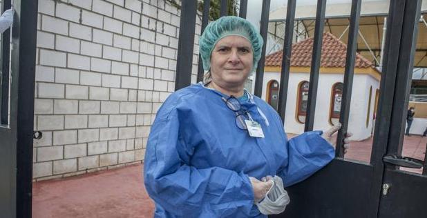 Sor Loli Vélez, natural de Alconchel, es hija de la caridad y estudió Enfermería y Trabajo Social. / PAKOPÍ